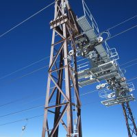 Ligne de vie verticale VERTILIGNE sur pylône téléskis