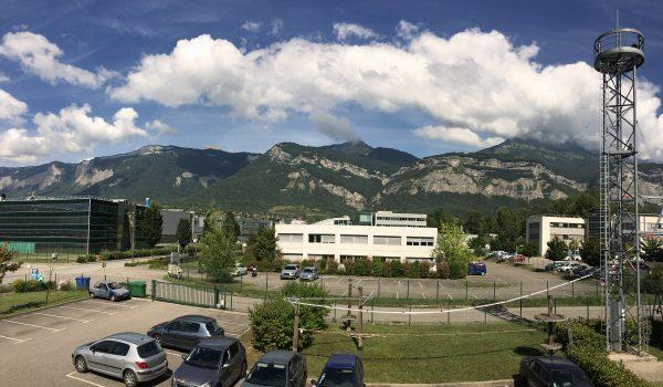 Vue depuis le bâtiment VERTIC sur la Chartreuse et le Parc Technologique de Bernin